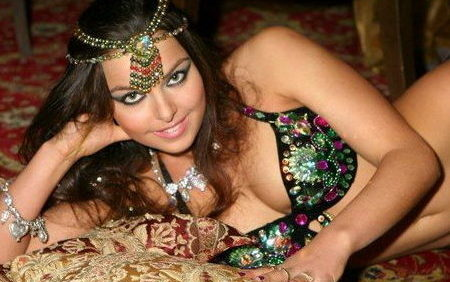 Black Magic Woman with sensational belly dancer